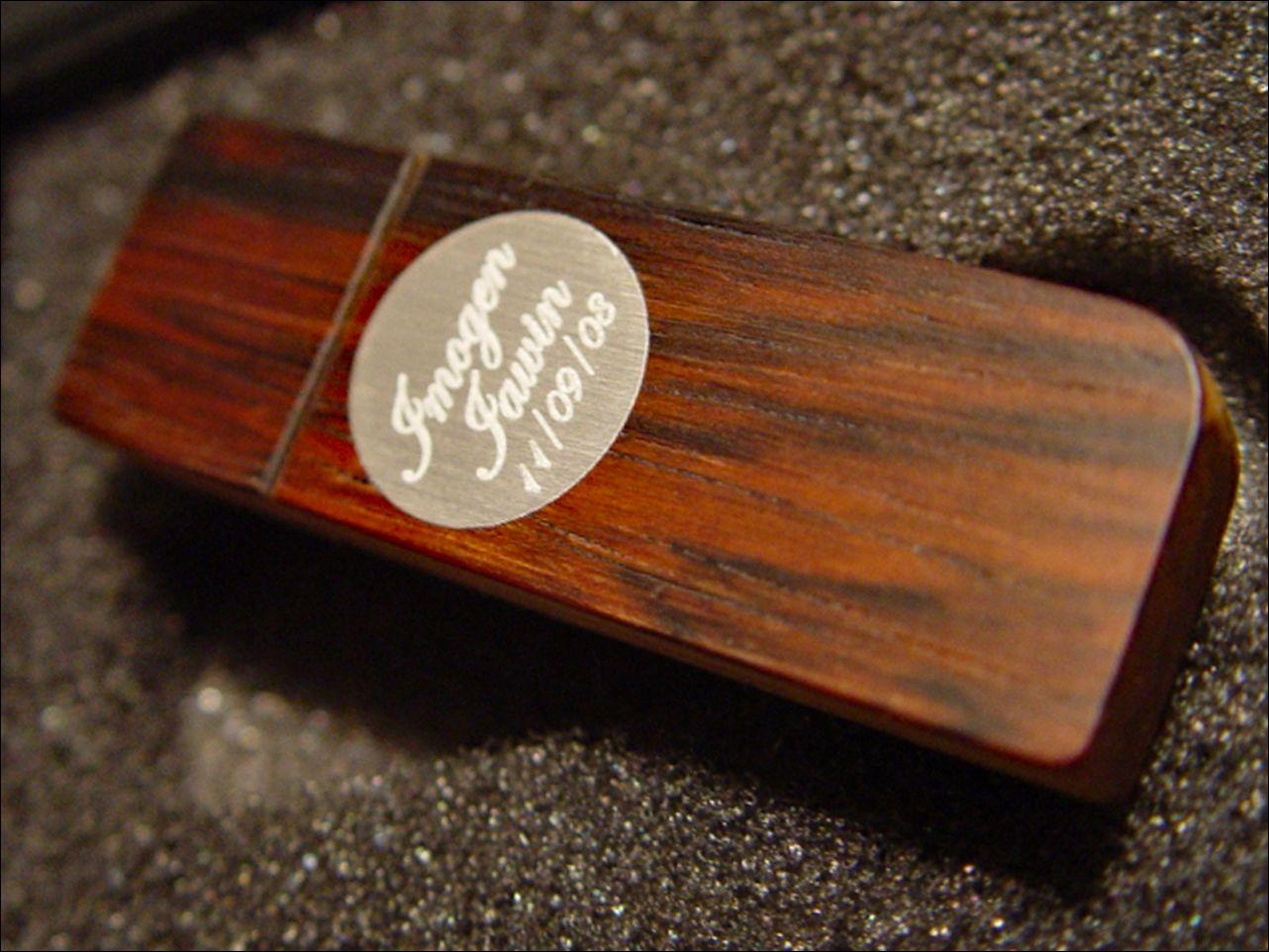 30 Gravurideen für Ihren individuellen Holz-USB-Stick - Geschenktipp!